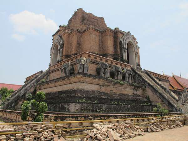 Inthakin 2012 and Wat Chedi Luang